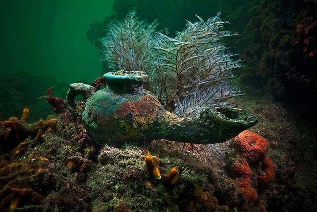 http://www.sunnyskyz.com/uploads/2013/12/ulz69-underwater-city7.jpg