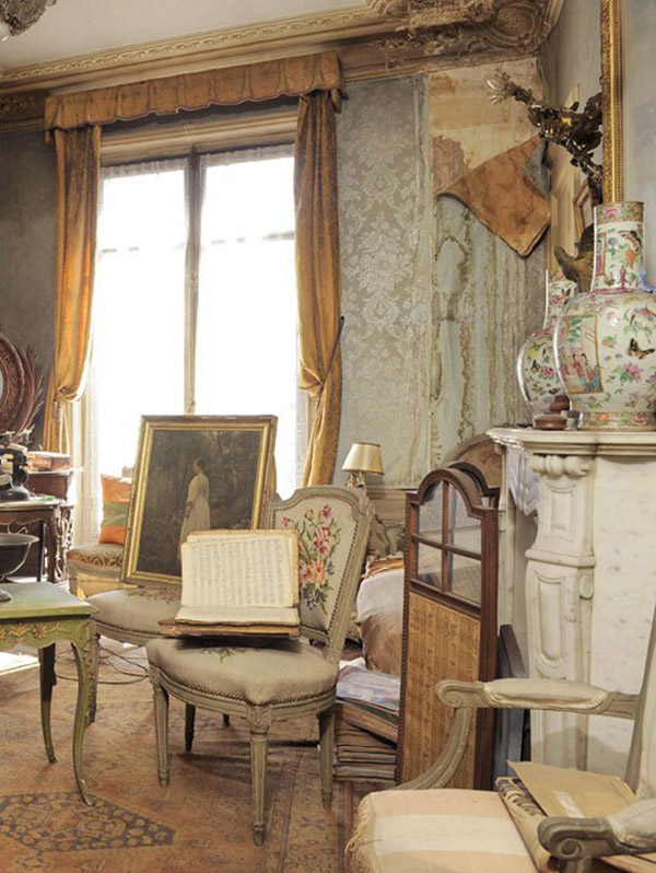 time capsule apartment france