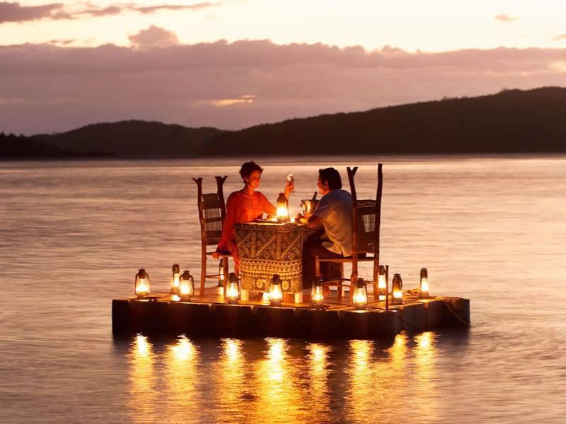 romantic dinner in Fiji