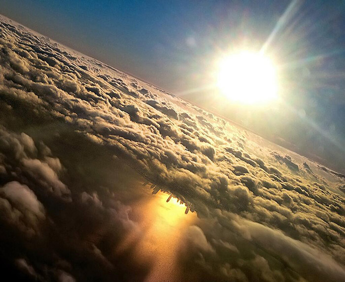 chicago skyline from clouds reflection