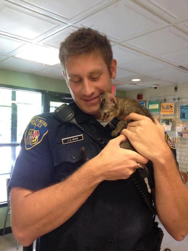 Baltimore cop saves kitten