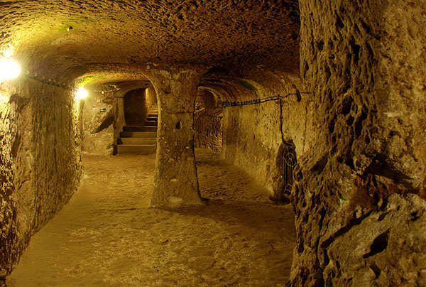 A Man Renovating His Home Discovered a Massive Underground City* Ktikx-derinkuyu-thdh-11