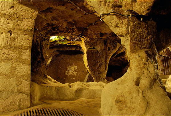 A Man Renovating His Home Discovered a Massive Underground City* Pf4xq-derinkuyu-thdh-2