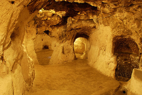 A Man Renovating His Home Discovered a Massive Underground City* Rtaxo-derinkuyu-thdh-4