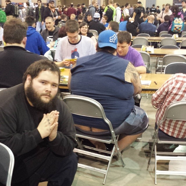 Magic tournament butt cracks
