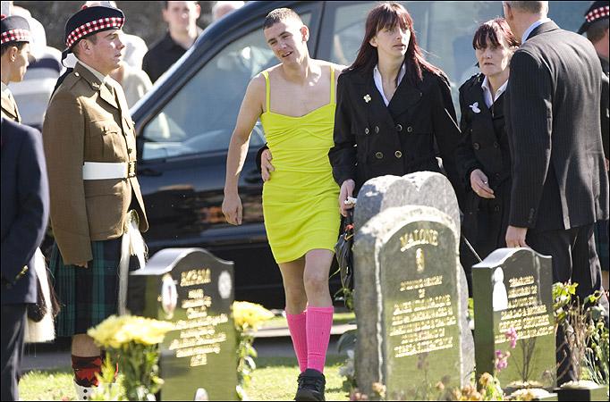best friend wears yellow dress t funeral