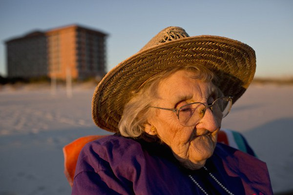 100 year-old woman sees ocean first time
