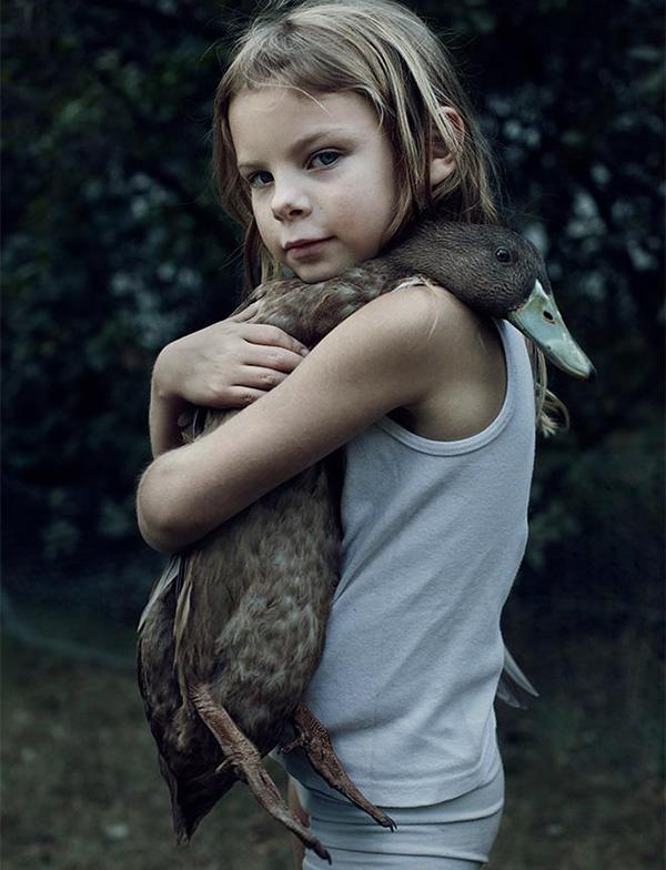 duck hugs