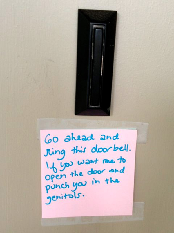 15 Hilarious Doorbell Notes Written By Parents With Sleeping