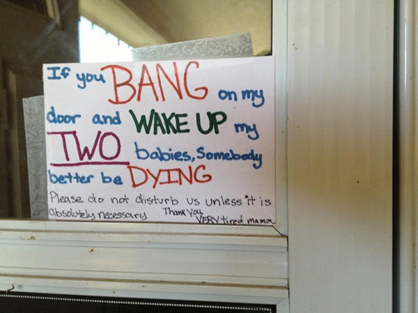 15 Hilarious Doorbell Notes Written By Parents With
