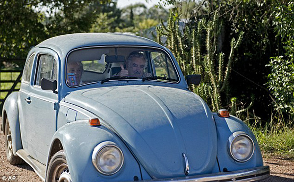 Uruguay president picks up hitchhiker
