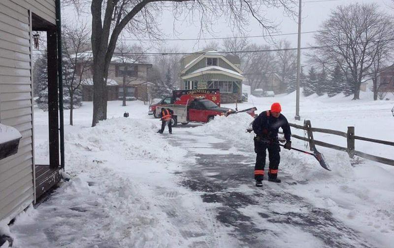 paramedics shovel elderly mans driveway