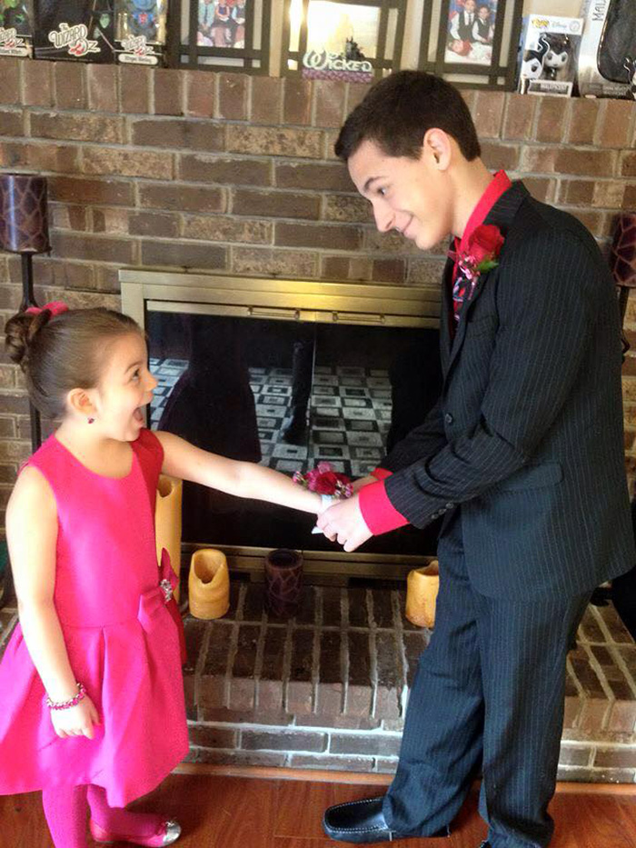 114ca5776 A Mother Shared This Photo Of Her Son And Daughter On Facebook. It's ...