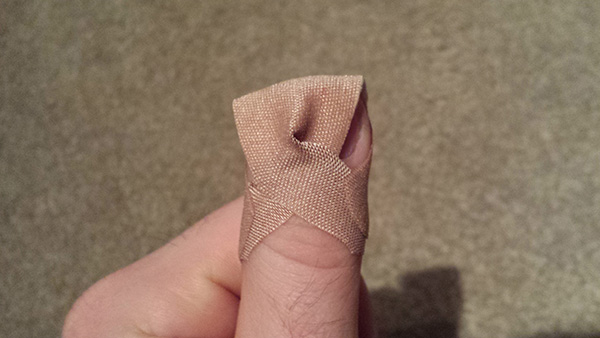 How To Attach A Bandage To A Fingertip So That It Doesn T Fall Off Or Move Around