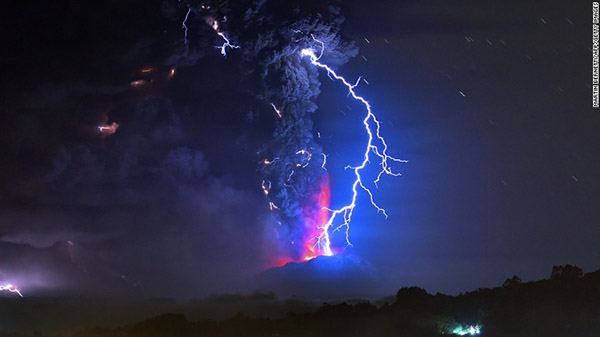 pictures of volcano eruption in Chile