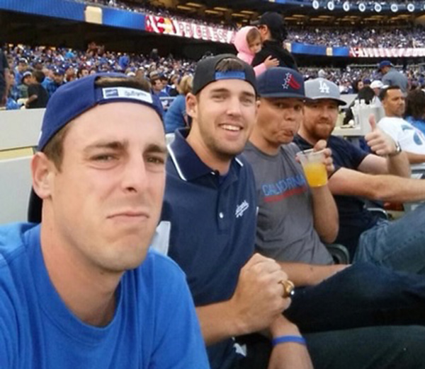 moms respond to sons selfie at game