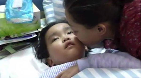 little boy saves moms live kidney transplant