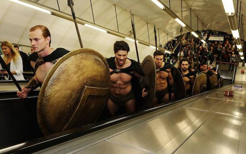 guys dressed as spartan soldiers from the movie  u0026 39 300 u0026 39  surprise london commuters
