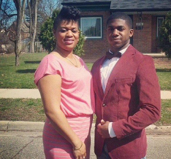high school student takes mom to prom