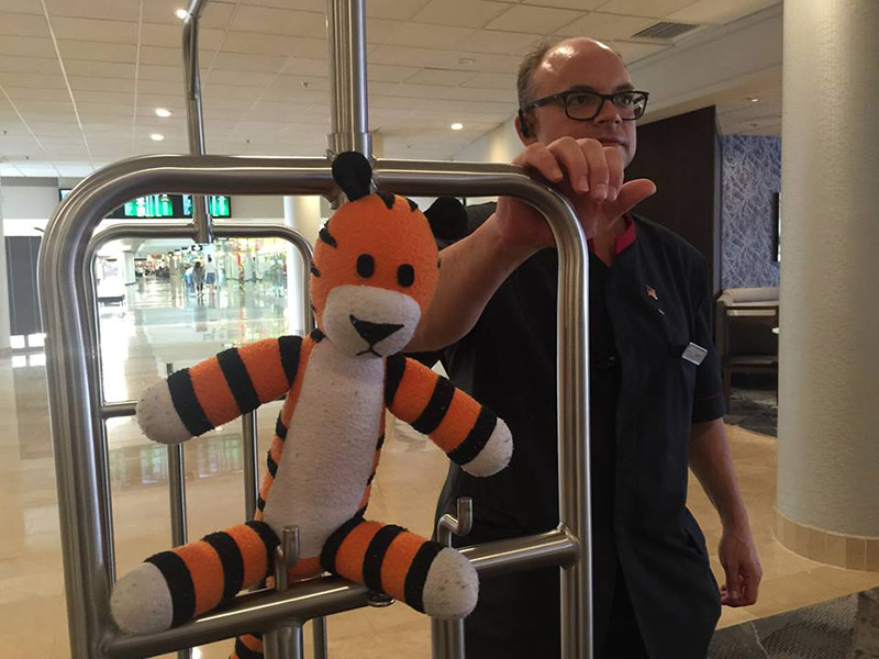 airport hobbes adventure