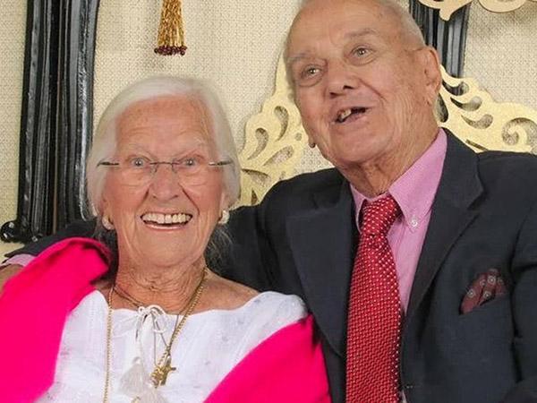 married couple 75 years dies hours apart