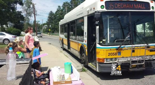 lemonade stand bus stop