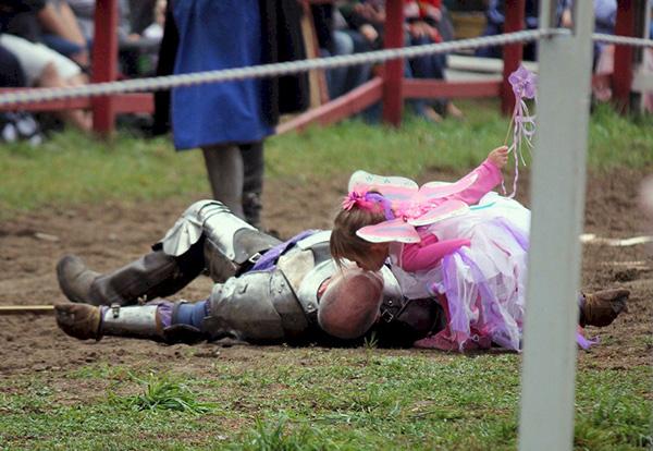 knight daughter heals