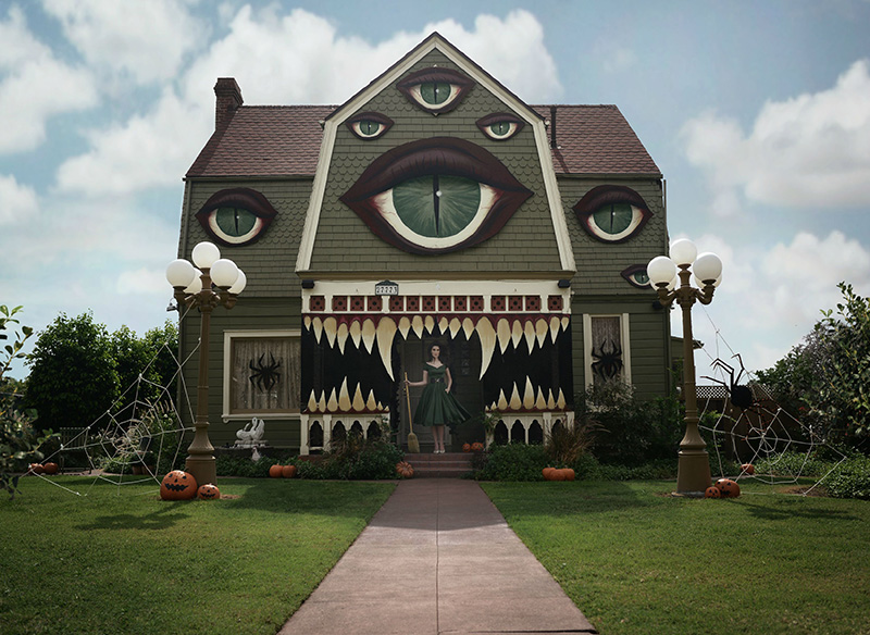 scary house halloween decorations