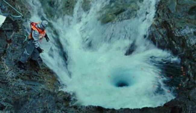 devils kettle two waterfalls