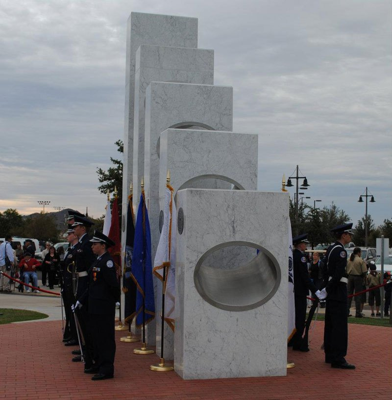 veterans memorial light shines 11 11