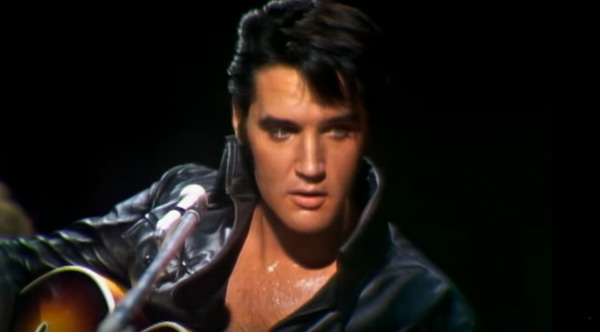 elvis is singing blue christmas when this modern star joins him on stage the result is beautiful - Blue Christmas Elvis