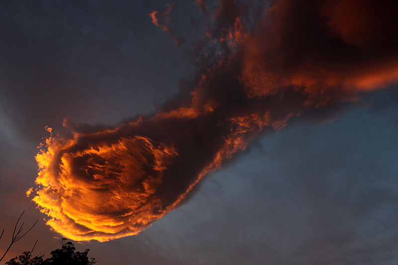 hand of God cloud portugal