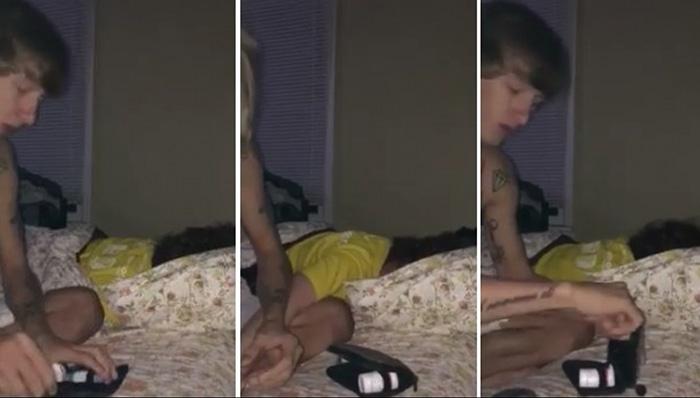 boyfriend stays up until 4am for diabetic girlfriend