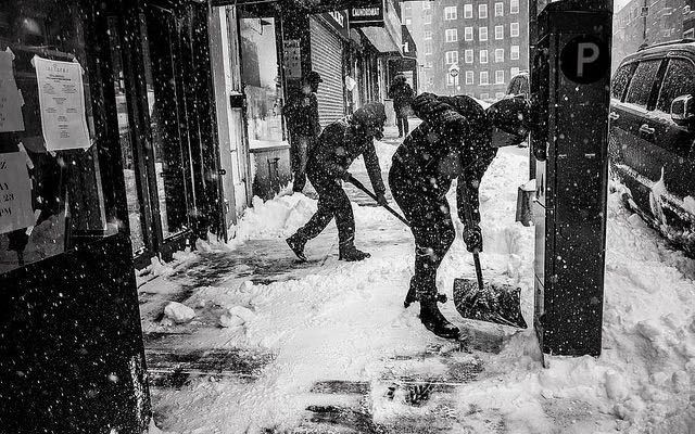 Baltimore hires teens to shovel snow