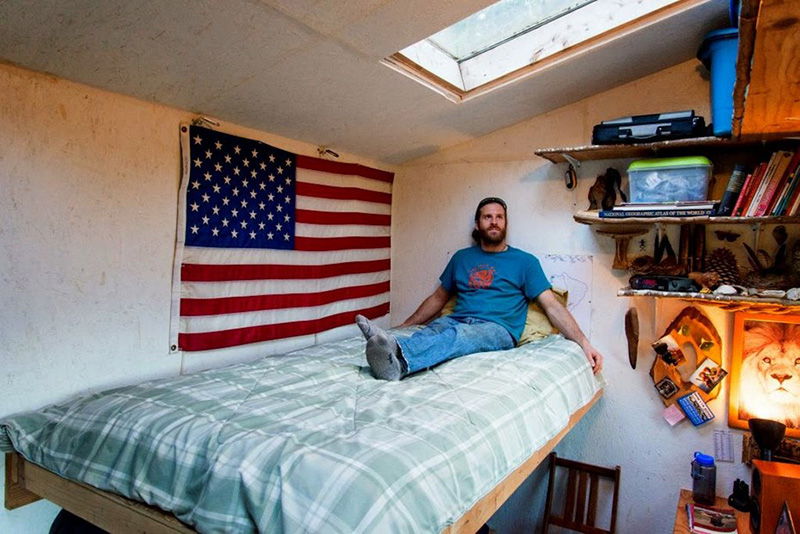 man builds tiny house for 500 dollars