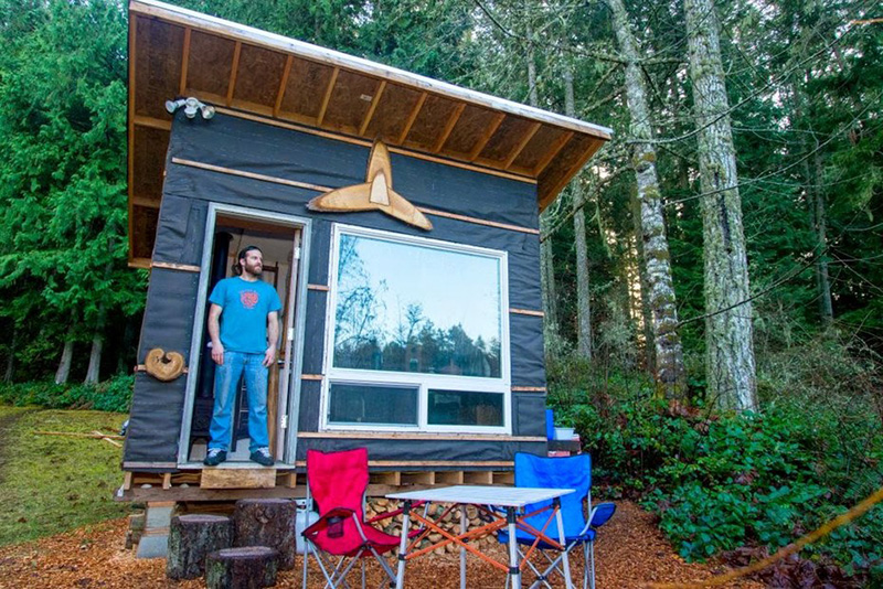 Take A Closer Look At The Tiny Home This Man Built For Less