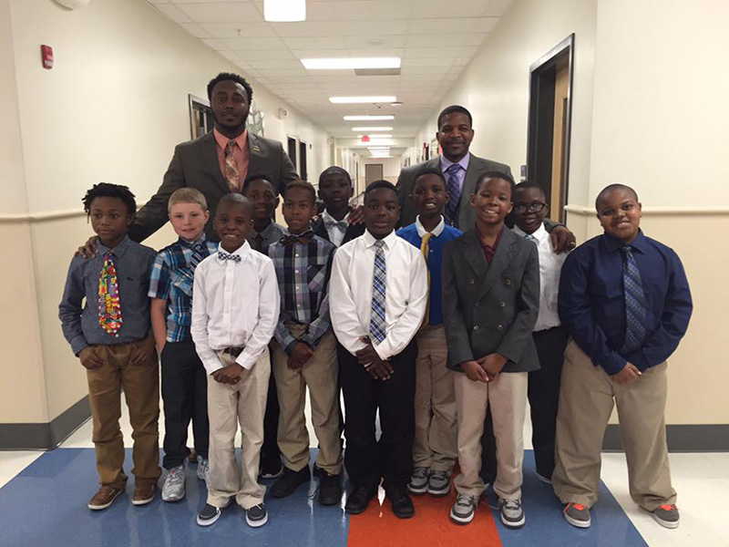 teacher starts gentlemen club for kids with no dads