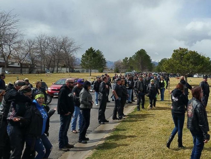 bikers attend boys funeral