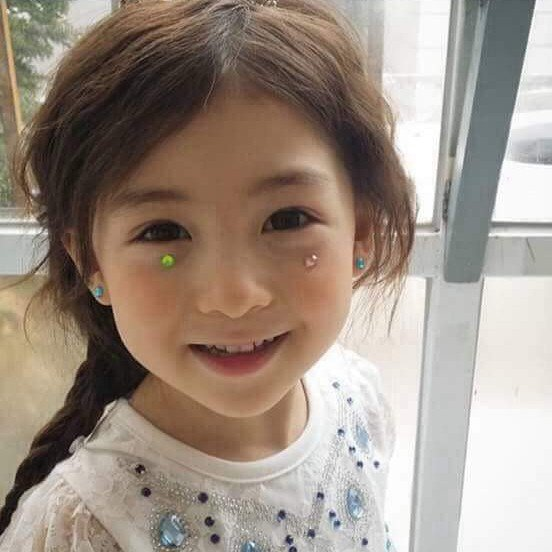 adorable little girl has been dubbed the prettiest