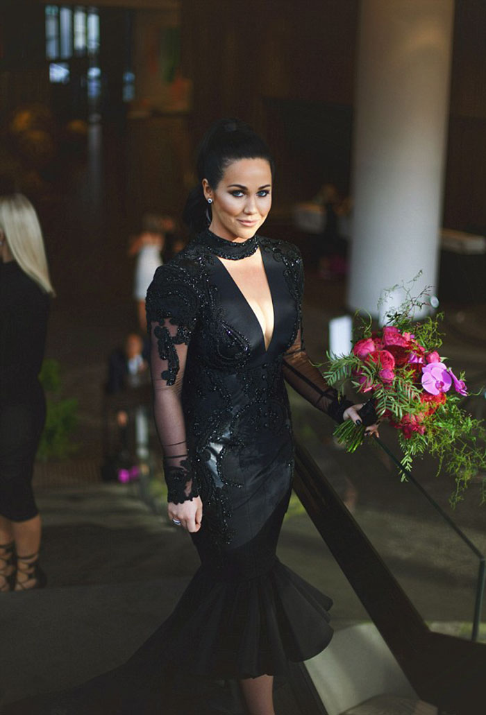 Bride Ditches Tradition And Wears Stunning Black Wedding Dress