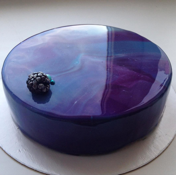 this woman 39 s beautiful glossy cakes are taking the internet by storm. Black Bedroom Furniture Sets. Home Design Ideas