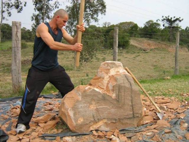 boulder with ax makes sculpture of mom
