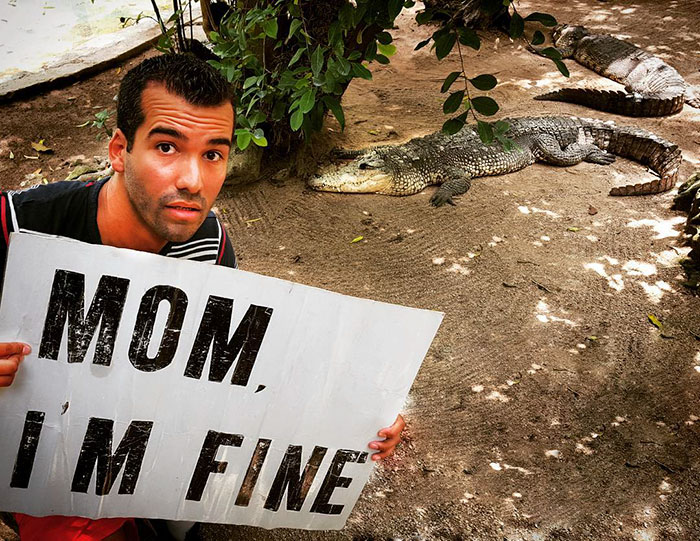 mom im fine traveler sign