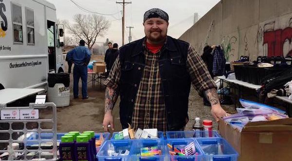 This Guy Is Going Around St. Louis Helping The Homeless ...