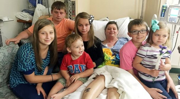 Virginia Mom Takes in 6 Kids of Friend Who Died of Cancer