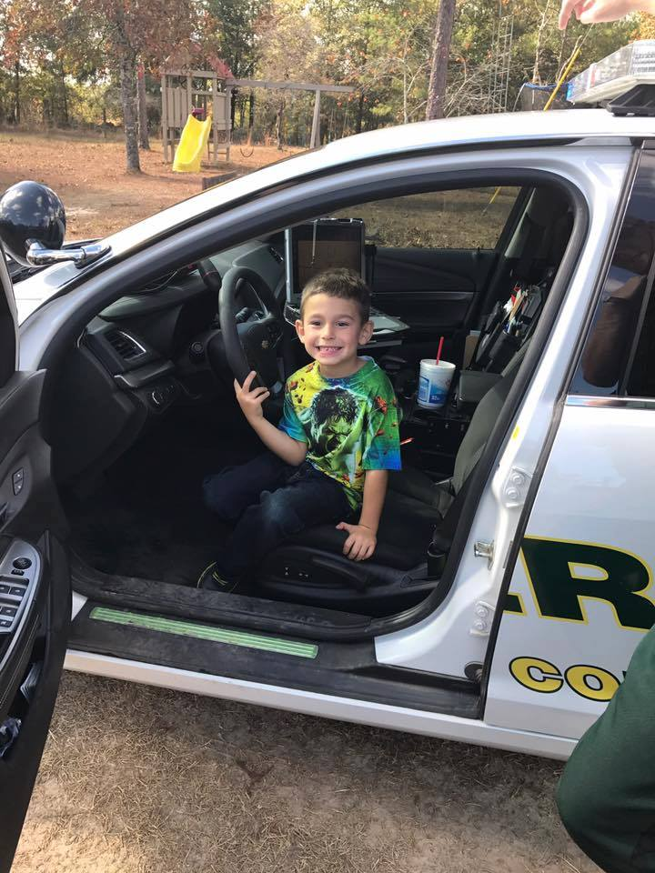 boy calls 911 invites police to dinner