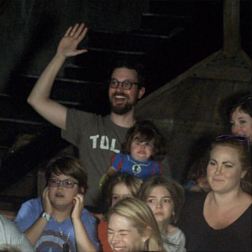 Dad takes daughter on first Disney ride funny face