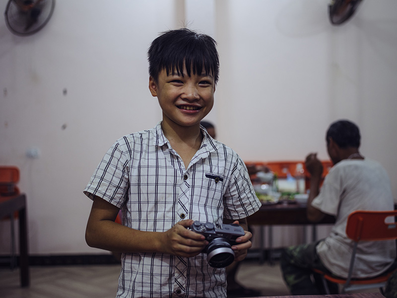 Two Brothers Traveled To Remote Regions Of Vietnam And Interviewed All The People They Met  75v01-vietnam11