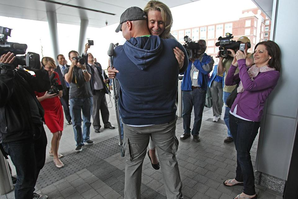 firefighter marries Boston marathon survivor