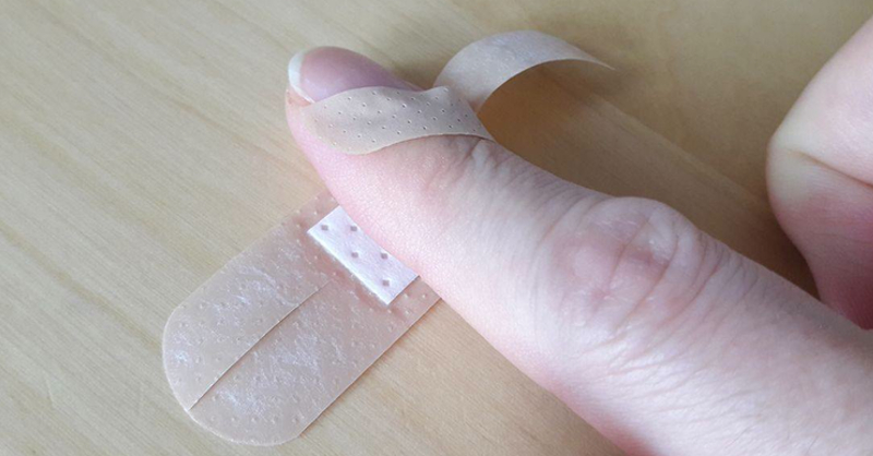 brilliant way to put band aid on finger tip